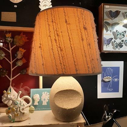 lampe vintage en pierre