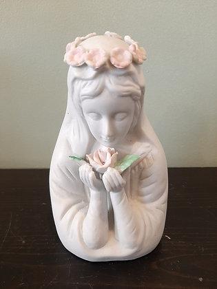 vierge en biscuit de porcelaine
