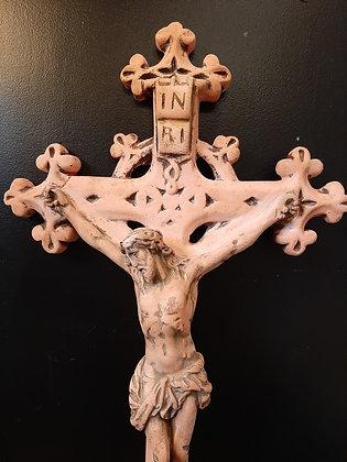 Crucifix en terre cuite