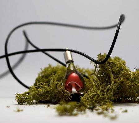 collier mushroom par sillycatglasslower