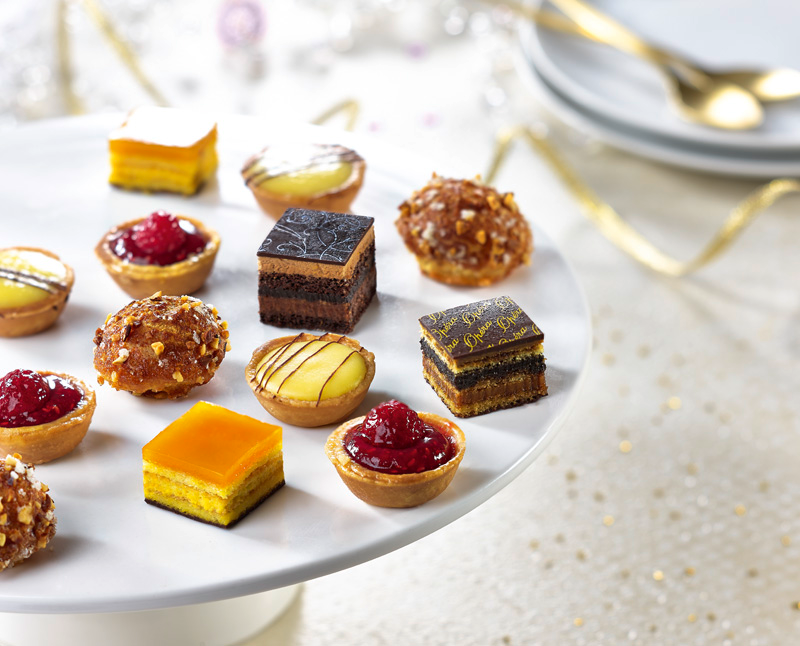 38-Classic-French-Petits-Fours.png