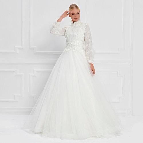 017558 Wedding Dress