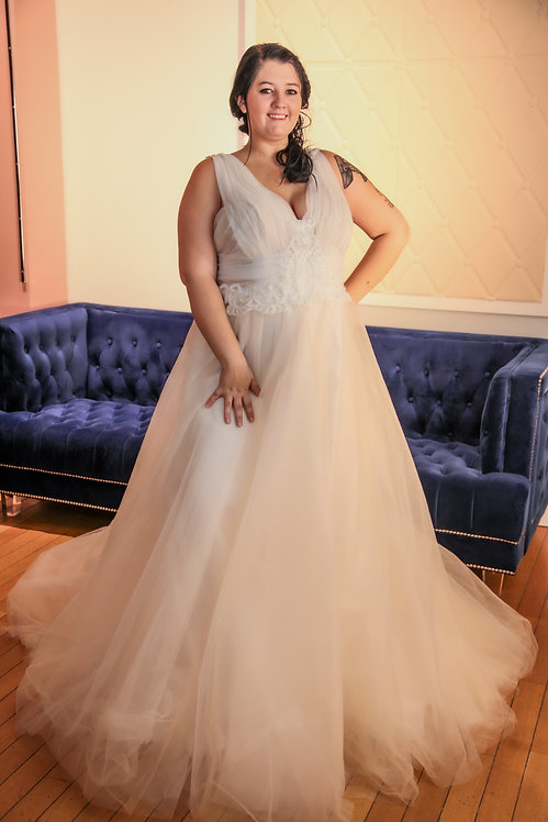 2019009 A-Line Hand Beaded Plus Size Wedding Dress