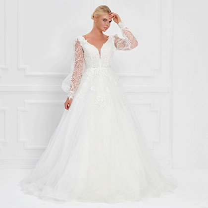 017542 Wedding Dress