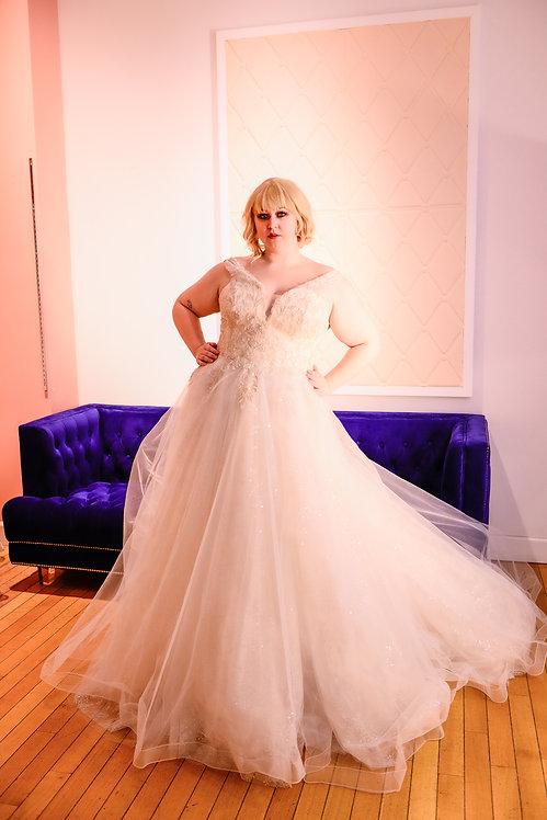 20112001 A-Line Hand Beaded Plus Size Wedding Dress