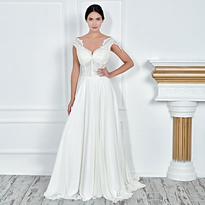 017142 Wedding Dress