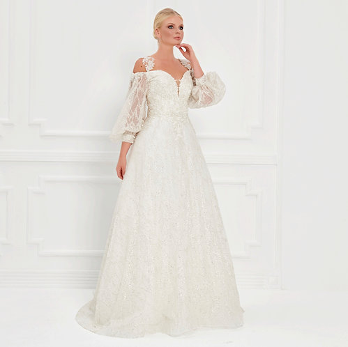 017526 Wedding Dress