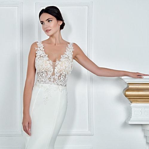 017150 Wedding Dress