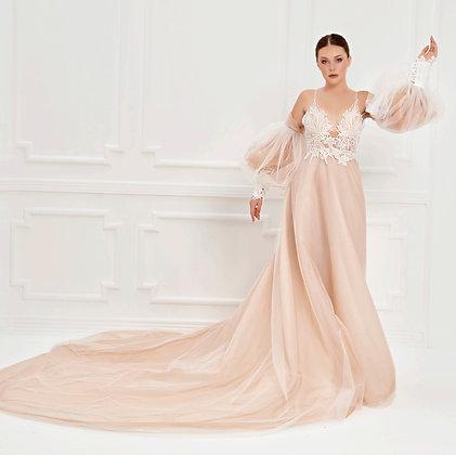 017527 Wedding Dress