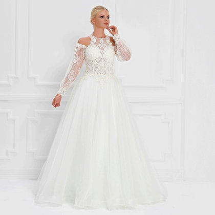 017561 Wedding Dress