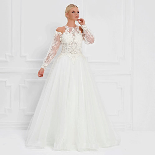 017561 Wedding Dress