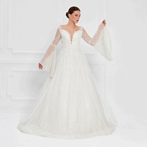 017539 Wedding Dress