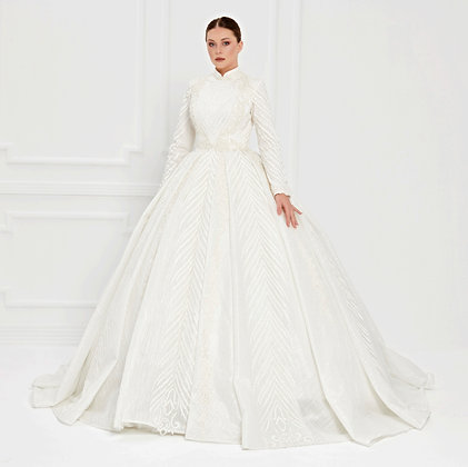 017522 Wedding Dress