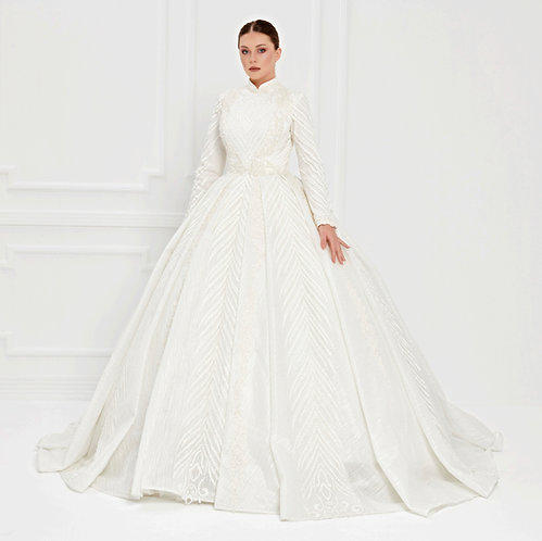 017522 Wedding Dress