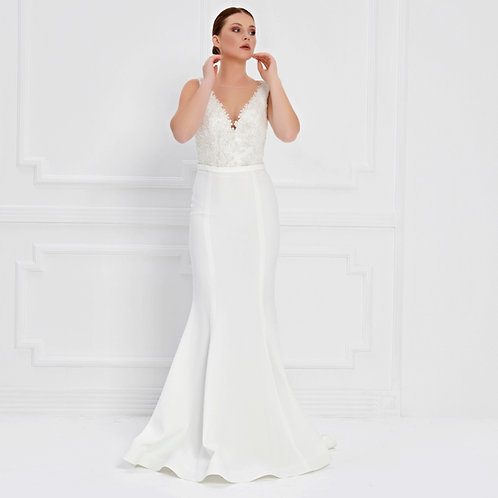 017568 Wedding Dress