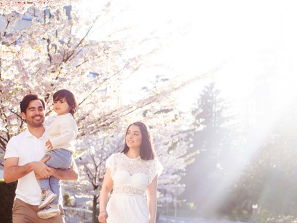 Family Photoshoot in Vancouver B.C.'s Cherry Blossom Festival at Lost Lagoon Stanley Park