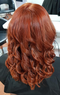Colour & Curls by Kutting Kapers