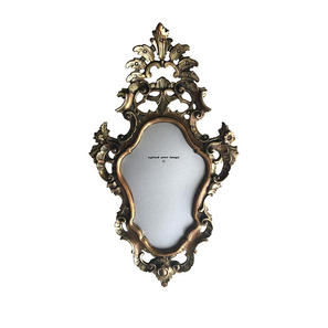 Nicolò-Tomaini-Black-Mirror-70-50.jpg