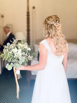 Beautiful wedding hair Hertfordshire