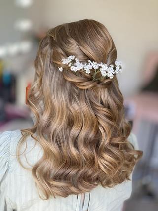Soft waves bridesmaids hair