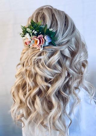 Beautiful textured half up half down curls