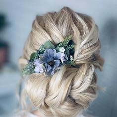 'Flora' hair comb - hair up
