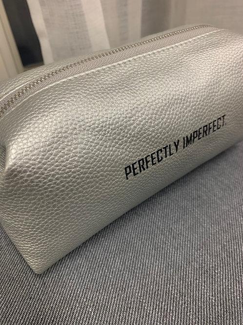 "Kosmetiktasche Silber ""Perfectly Imperfect"""