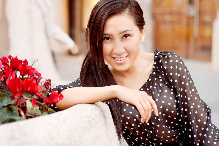 Julia Sun TV Host On Air On Camera Personality