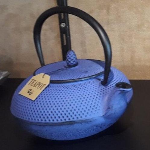 """Théière en fonte couleur """"IWASHU"""" 0.9 litre """"bleu"""""""