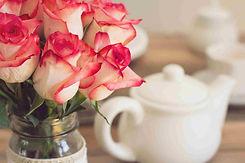 roses-1138920_1920_R.jpg