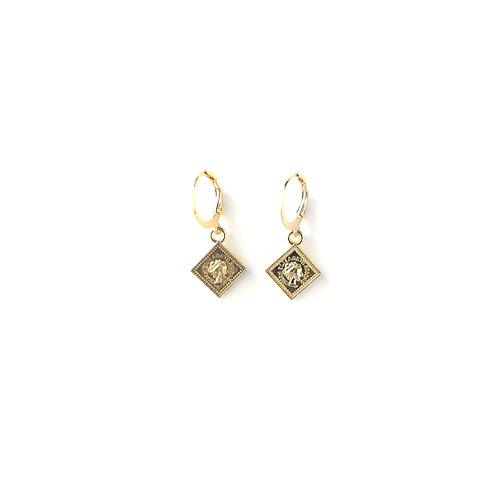 Square earrings gold