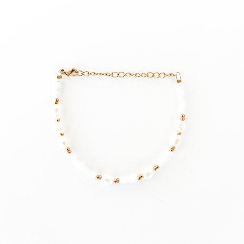 white pearl bracelet gold