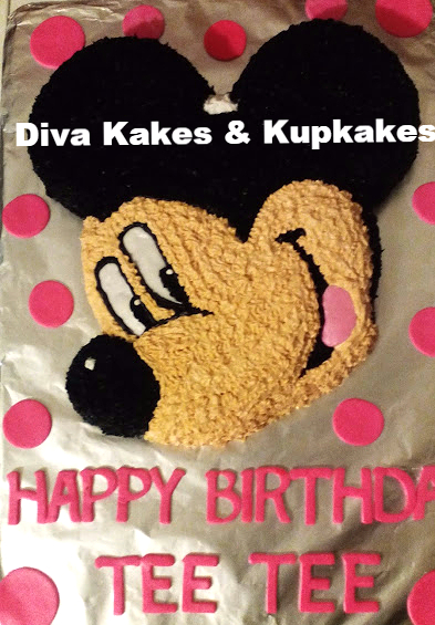 Mickey Mouse for Her Cake