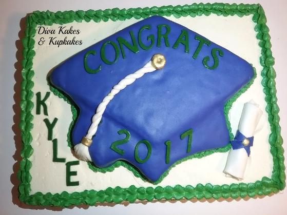 Graduation 1/2 sheet cake w/ diploma