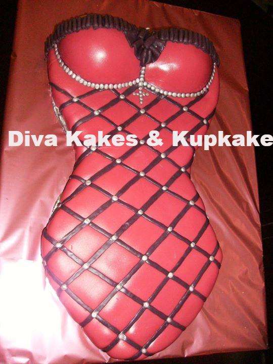 bachelrette lingerie cake