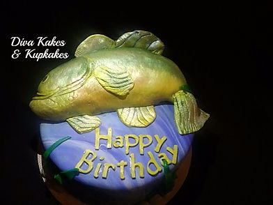 Fish Sculptured fondant cake-birthday.jp