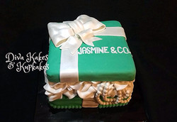 Breakfast at Tiffany's Themed Cake