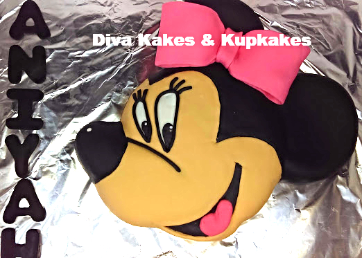 Minnie Mouse Fondant Sculptured Cake