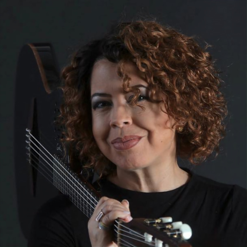 Live Music at The Oaks with Lois Albez