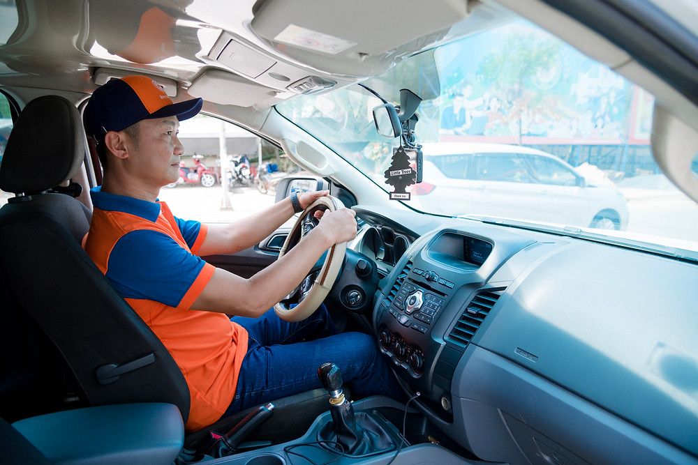 Deliverymen from Quoc Huan Food uses Abivin vRoute