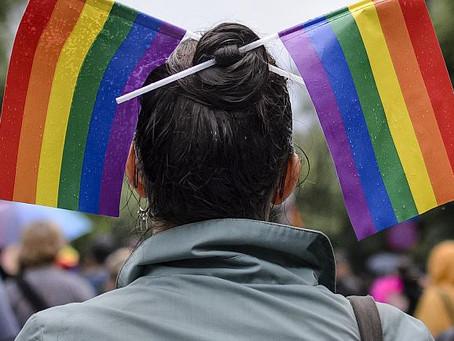Romania seuraa Puolaa ja Unkaria sukupuolivähemmistöjen oikeuksien heikentämisessä