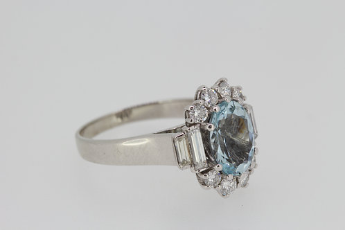 Aquamarine and diamond cluster ring a2.0cts d.80cts