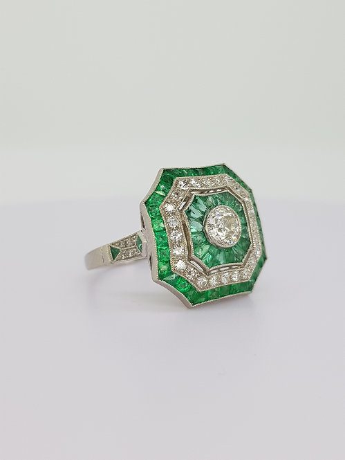 Emerald and diamond cluster ring platinum