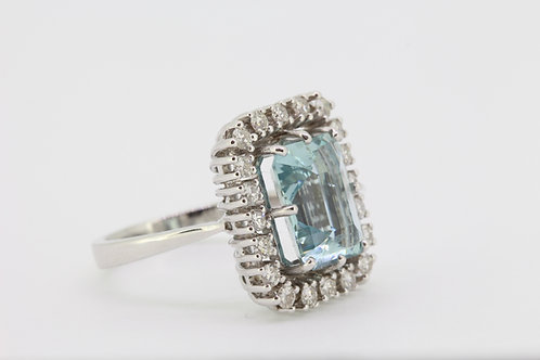 Aquamarine and diamond cluster ring a4.64cts d0.95cts