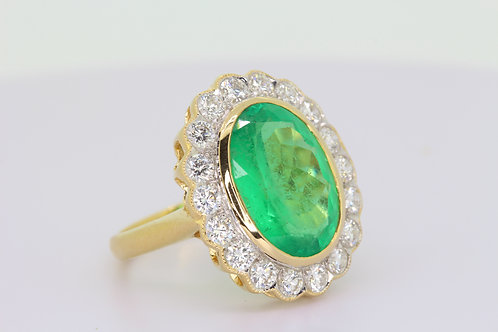 Emerald and diamond cluster ring e5.14cts d1.26cts