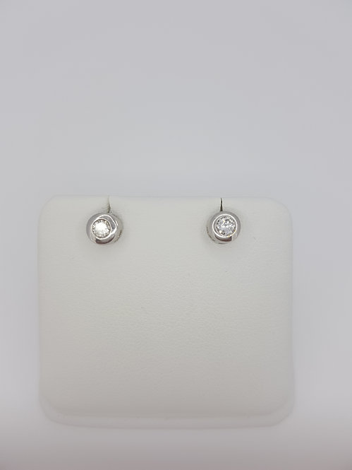 Collet set diamond studs 0.30cts