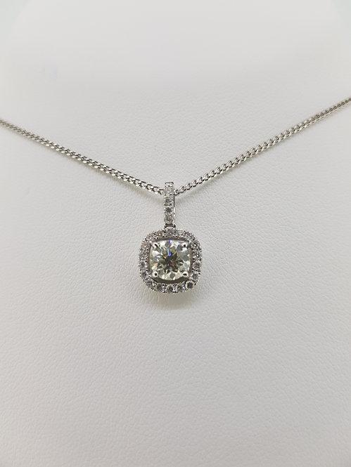 Halo diamond pendant d95+.40cts