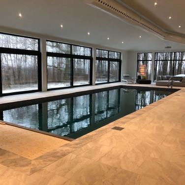 #piscine #piscine intérieure avec #porte-patio #aluminium