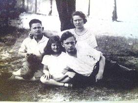 רוזליה, וולף, מארק וחווקה פולמן, בפלניצה, 1931