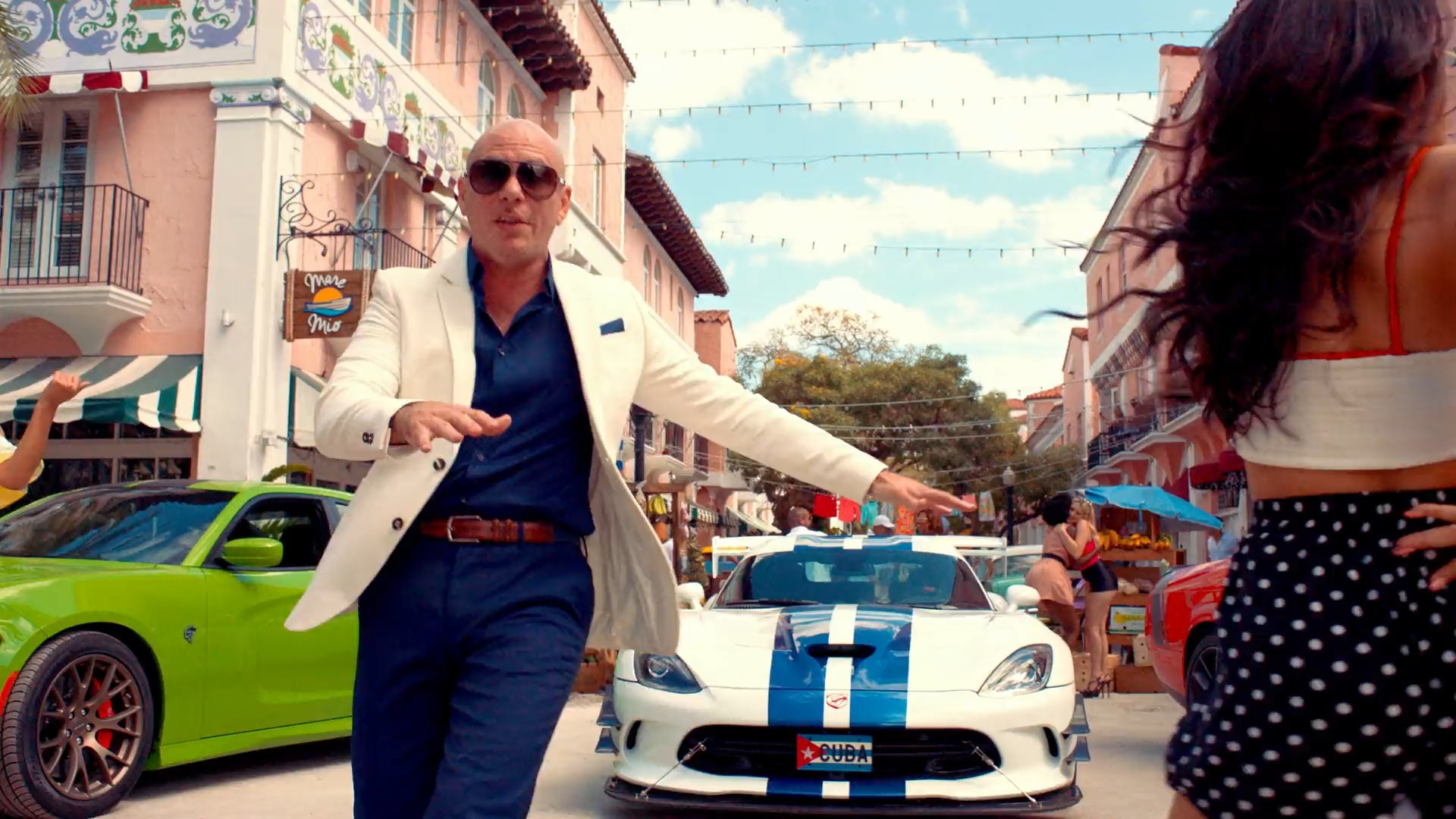 Pitbull Ft. J. Balvin Music Video - Gil Green